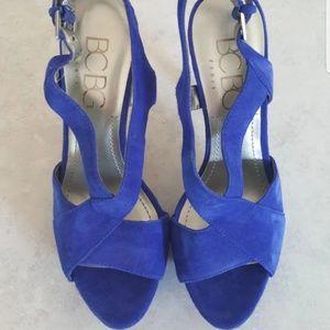 BCBG electric blue dress shoes